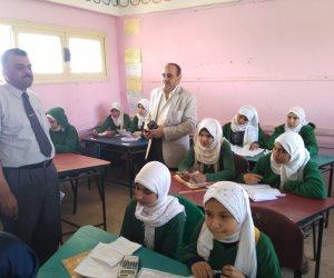 مدير تعليم سوهاج يتابع سير امتحانات النقل بمدارس ساقلته (صور)