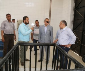 محافظ قنا يتفقد مشروعات مياه الشرب والصرف الصحى بمدينة دشنا   (صور)