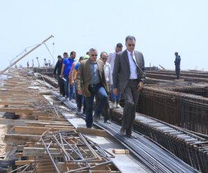هشام عرفات يتابع أعمال تنفيذ محاور النقل التنموية الجديدة غرب الإسكندرية