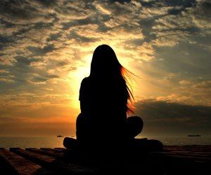 «الاستياء والقلق والاكتئاب».. أعراض يتسبب بها الإيذاء العاطفي