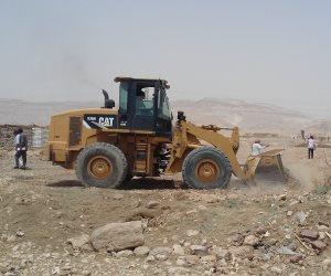 إزالة 12 حالة تعدي على «أملاك الدولة» والأراضى الزراعية بـ«نقادة» (صور)