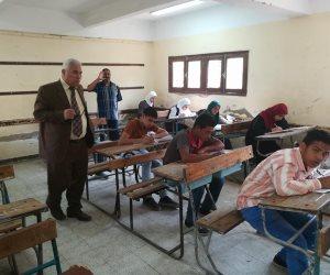إحالة رئيس لجنة والمراقب الأول و7 ملاحظين  بامتحانات الإعدادية بالفيوم للتحقيق