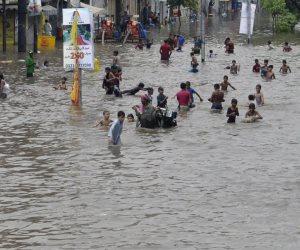 مصرع 15 شخصا جراء عواصف وأمطار شمال غرب باكستان