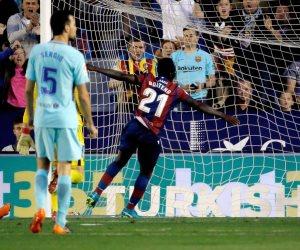 برشلونة يتأخر أمام ليفانتي 2-1 في الشوط الأول (فيديو)