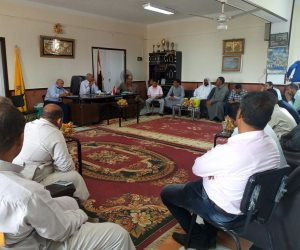 رئيس مدينة بئر العبد يبحث مشاكل المواطنين بلقاء مع الشباب وأمناء الأحزاب (صور)