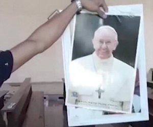 لارثون الإسبانية: داعش يهدد بقتل بابا الفاتيكان