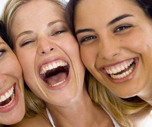 «اضحك كركر»..الضحك يقوي المناعة ويساهم في إدرار اللبن للمرضع ويؤخر ظهور التجاعيد