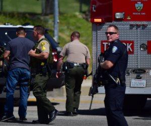 تأبين ضحايا حادث إطلاق النار بمدرسة «سانتافي» الثانوية بتكساس
