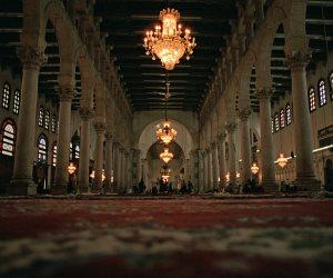 «مقبرة الملوك والأمراء».. مسجد الرفاعي المزين  والمزخرف بالرخام الملون