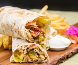 فطارك عندنا.. صاج دجاج مع أرز بسمتي بالخلطة وسلطة البطاطس بالمايونيز