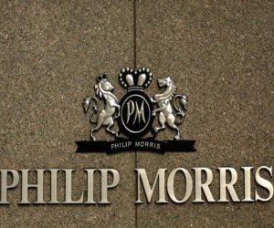 الإنجليز يفضحون «فيليب موريس».. كيف نافقت الشركة عملاءها لترويج منتجاتها؟