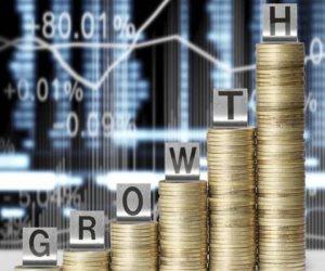 الاقتصاد الأمريكي ينمو بوتيرة أسرع على خلاف التوقعات.. ماذ حدث؟