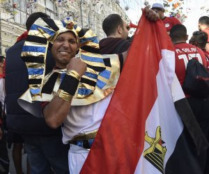 العيد فرحة.. المصريون يرفعون «تكبيرات العيد» في مباراة مصر وأوروجواي