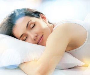 ليست نكتة.. كثرة النوم تطيل العمر وتقي من أمراض القلب والسكر
