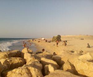 السيناوية يتحدون الإرهاب.. أهل الشمال يحتفلون بالعيد على شواطئ العريش (صور)