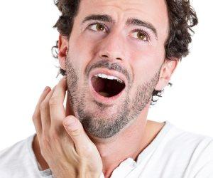علشان ألم الأسنان صعب.. 7 علامات تؤكد إصابتك بخراج في الفم تعرف عليها