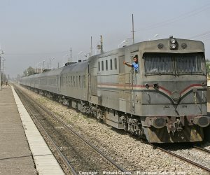 السكة الحديد تبدأ طرح مقاعد قطارات العيد الإضافية للحجز