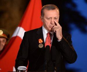 أردوغان يكمم الأتراك ويسرق أصواتهم.. صحافة الغرب تركز على فضائح ديكتاتور أنقرة
