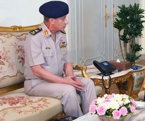 وزير الدفاع يعلن قبول دفعة جديدة من المتطوعين بالمعاهد الصحية للقوات المسلحة