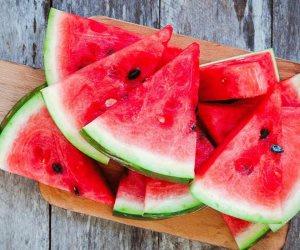 طرّي على قلبك واشحن طاقتك.. 11 فائدة تجبرك على ملازمة البطيخ طوال الصيف