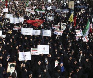 من حفر حفرة للعرب وقع فيها.. 8 مؤشرات تؤكد قرب إطاحة الشعب الإيراني بنظام الملالي