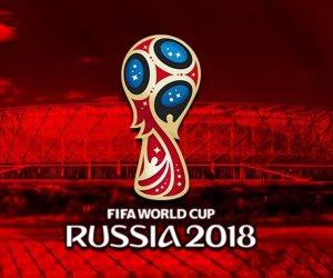 طرائف نهائي كأس العالم.. سيدة تخفي ميدالية في ملابسها خلال توزيع الجوائز (فيديو)