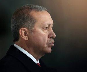 العقوبات الأمريكية تقصم ظهر أردوغان.. هل يحل بيع «الجنسية» أزمة أنقرة الاقتصادية؟