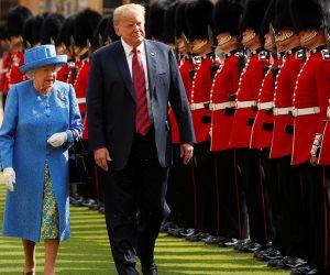 4 أخطاء بروتوكولية لرئيس أمريكا في بريطانيا.. هل فشل ترامب في حضرة الملكة؟