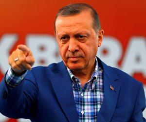 دستور تركيا «ورق تواليت» في حمام أردوغان.. هكذا فعلها الديكتاتور على وجه الأناضول