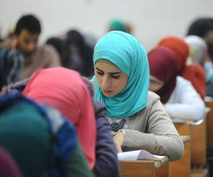 امتحان الفرنساوي لأولى ثانوي «مشاع» على فيس بوك.. في انتظار تعليق الوزارة