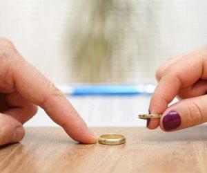 «ميرنا» لم تيأس بعد.. قصة فتاة حرمها الطلاق من والدتها 20 عاما