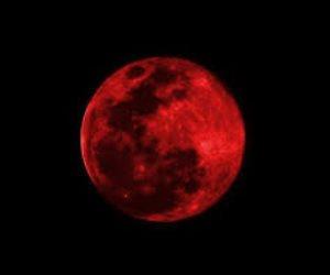القمر الدموي.. هل لظاهرة الخسوف علاقة بموت الأنبياء والصالحين؟