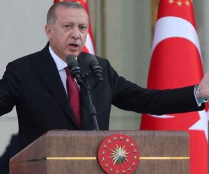 سخط داخل المجتمع التركي ضد سياسات أردوغان.. محرم إنجيه يكشف فساد أصدقاء السلطان