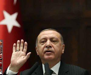 برلمان تركيا تحت حذاء أردوغان.. هكذا أهان الديكتاتور 550 نائبا يمثلون الشعب