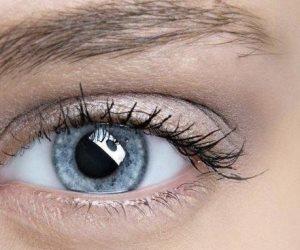 هل يتسبب غبار العين في أزمة لك؟.. 5 خطوات للتخلص من الأجسام الغريبة تعرف عليها