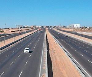 «لو مسافر انهردة.. خلي بالك».. تحويلات مرورية فى طريق السويس الصحراوي
