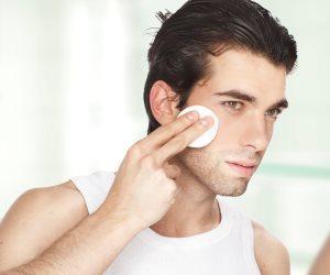 الرجولة مش ضد النعومة خالص..7 قواعد عملية للعناية ببشرة الرجال بشكل صحي ومفيد