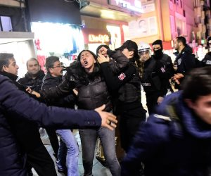 جمعة أردوغان السوداء على الحربة.. الاعتقالات تطال الأكاديمين في تركيا