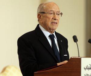السبسي يتجاهل مزيدات الإخوان.. رسائل نارية من الرئيس التونسي عن القرآن والمواريث