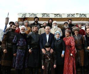 أردوغان يدمر اقتصاد بلاده.. هل يؤثر انهيار الليرة على انتشار الدراما التركية؟