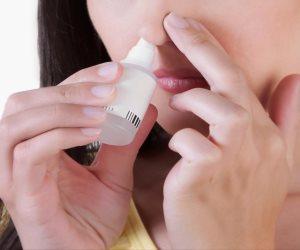هل تعاني من الأنفلونزا بشكل مستمر؟.. بخاخة مياه البحر له تأثير السحر في علاج «البرد»