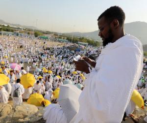 «بشاير من عند الحبيب».. 13 ألف حاج مصري يغادرون لزيارة مدينة رسول الله