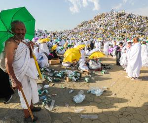 السعودية تدعو قطر إلى تسهيل إجراءات قدوم الحجاج
