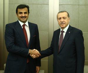 «الحمدين» يواصل دعم أردوغان بأموال الدوحة.. لماذا لا يحجر القطريون على السفيه تميم؟