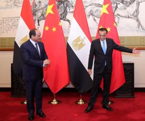بدار الضيافة في بكين.. السيسى يلتقي رئيس وزراء الصين
