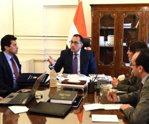 وزير الشباب والرياضة يُطلع رئيس الوزراء على خطة تطوير استاد القاهرة