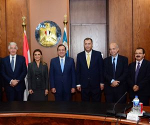 سحر نصر وطارق الملا يشهدان توقيع اتفاق لتمويل منتجات بترولية بقيمة 2 مليار دولار (صور)