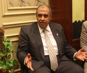 عز الدين أبو ستيت.. هل يختلق وزير الزراعة الأزمة ويدير الوزارة كـ«عزبة خاصة»