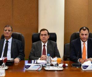 استثمارات جديدة بـ740 مليون دولار.. كيف تصبح مصر مركزا إقليميا للطاقة بالبحر المتوسط؟