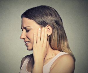 """""""تجنب أضرار الأذن"""".. كيف تحمي سمعك من الضجيج بإجراءات وقائية بسيطة؟"""